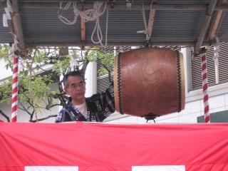 太鼓たたきの松本さん